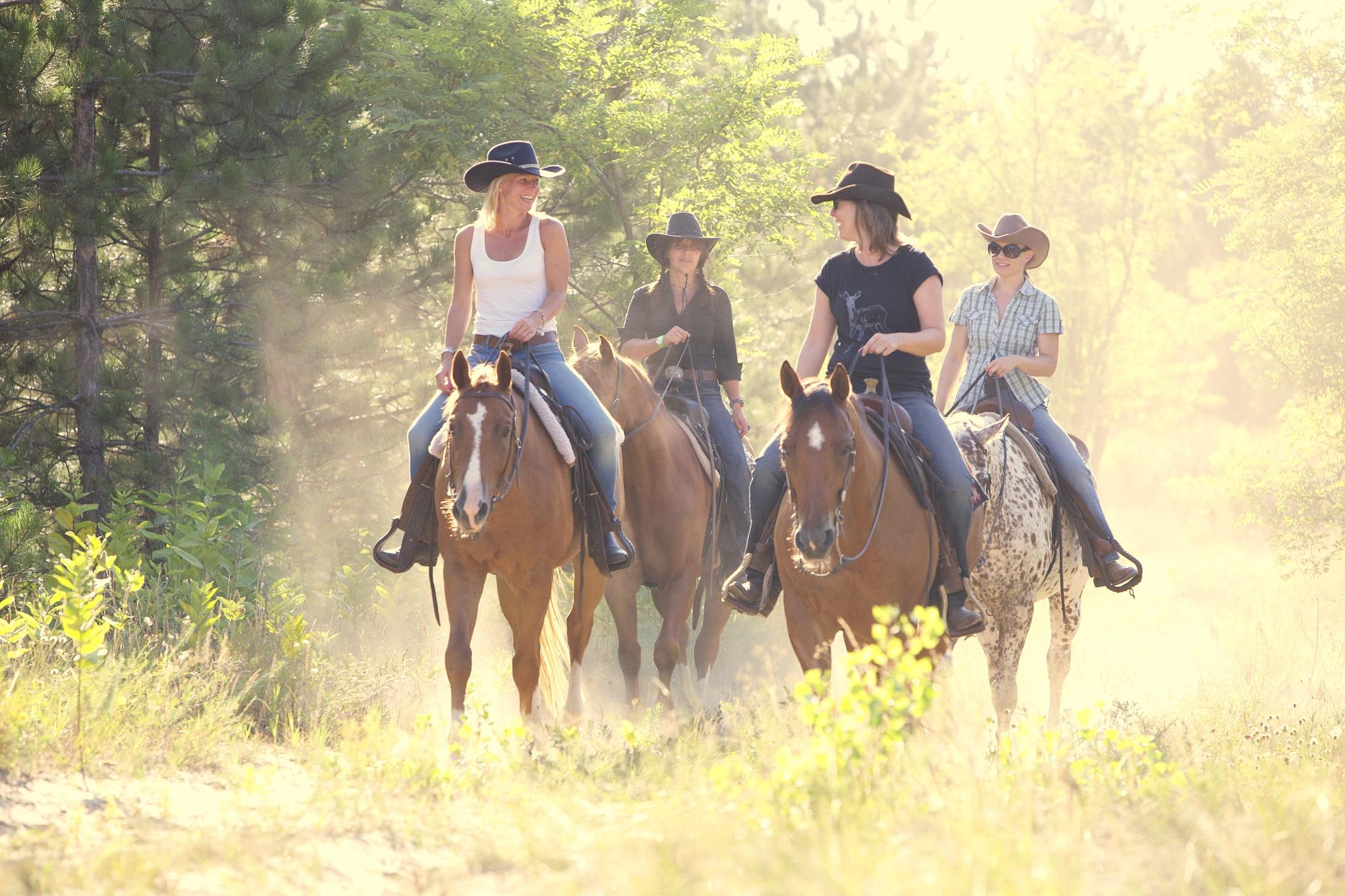Blije gezichten El Bronco Hongarije - Vakantie te paard / Reisbureau Perlan