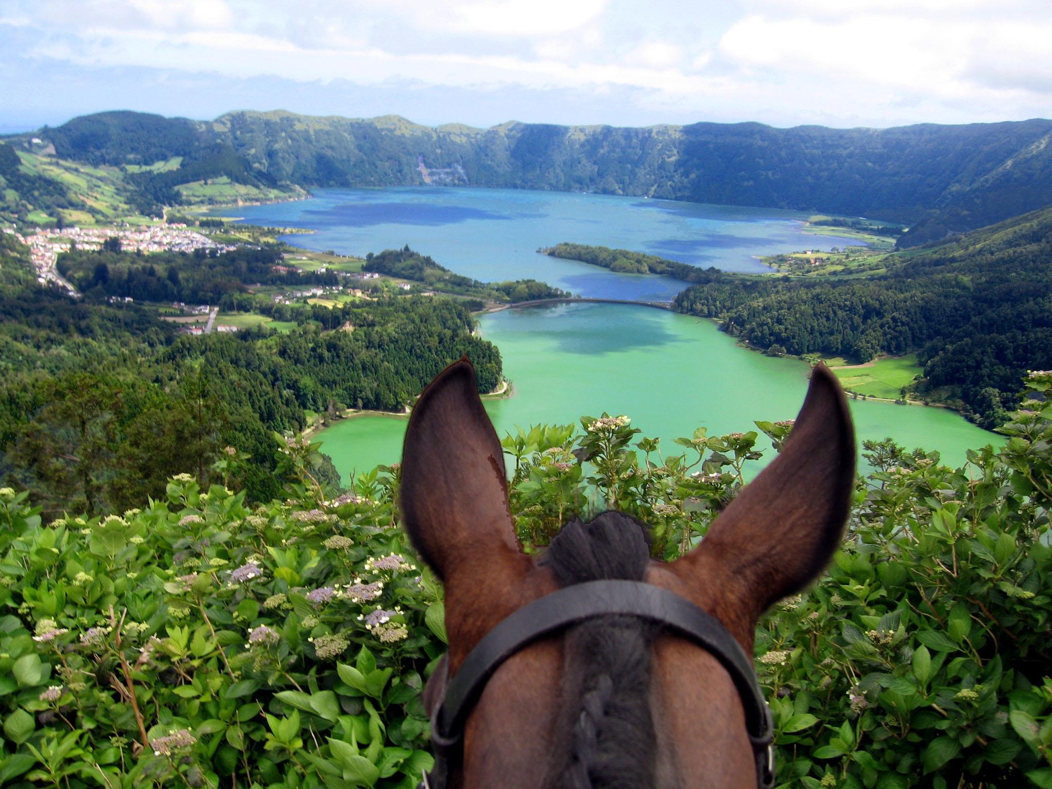 Vulkaanmeren op de Azoren - Vakantie te paard / Reisbureau Perlan