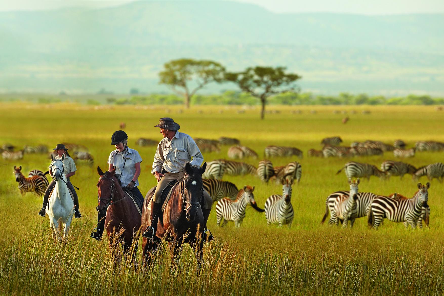 Safari te paard in Tanzania - Vakantie te paard / Reisbureau Perlan