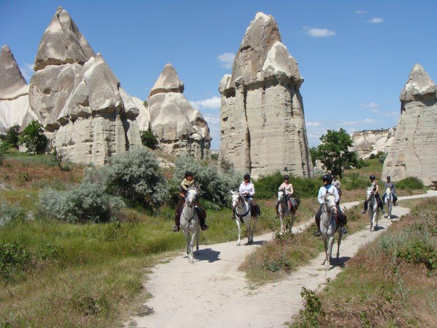 Paardrijden in Turkije - Vakantie te paard / Reisbureau Perlan